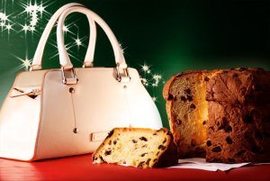 Toscanella Handbag and Panettone