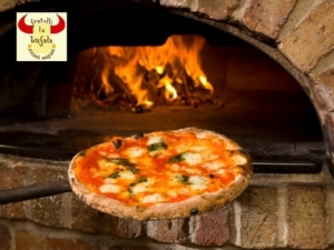 Pizza in Flroence Italy