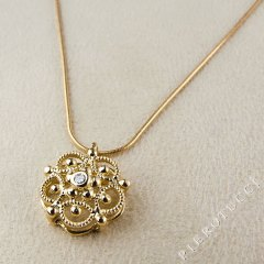 18K yellow gold filigree charm from Florence Italy