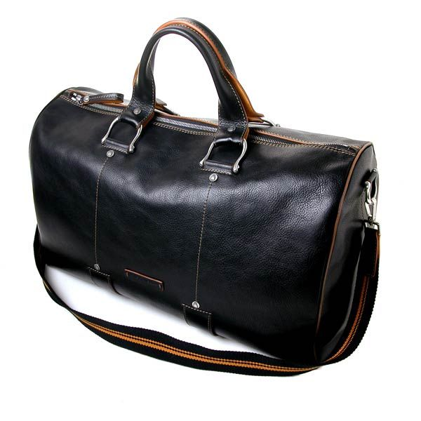 Toscanella leather bag and Italian designers