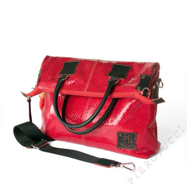 Itailan leather handbags and Tote bags from Pierotucci