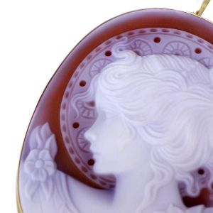 Hand carved Italian agate cameo from Pierotucci
