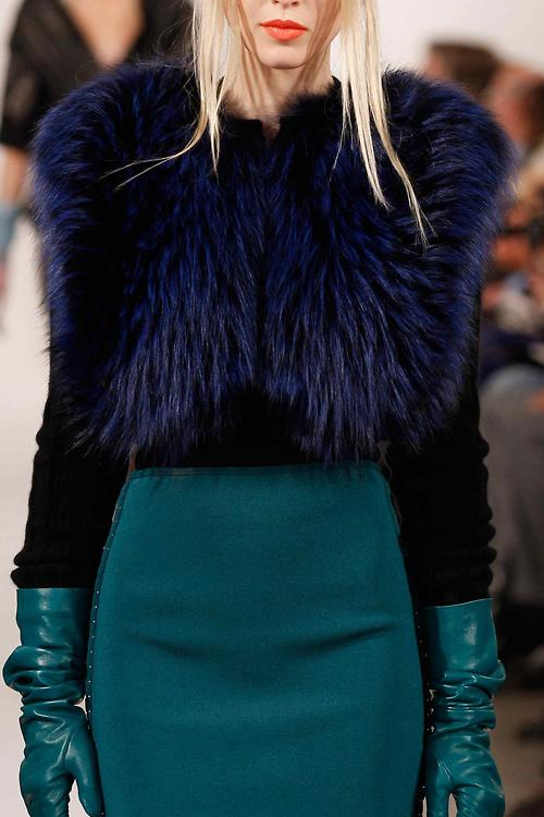 Oscar de la Renta FW 2013 with long leather gloves