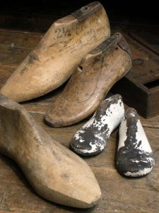 shoe-lasts for molding wet leather