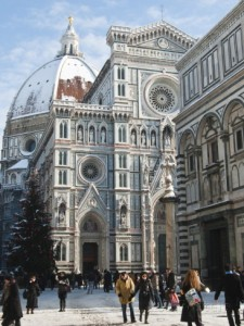 the-duomo-cathedral-with-snow-during-winter-florence-firenze-tuscany-italy