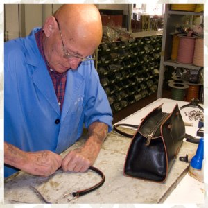 Pierotucci-handmade-Italian-leather-bags-production